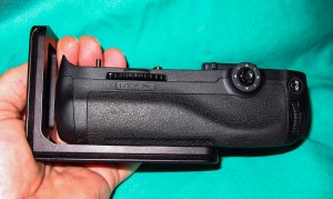 Nikon MD-B12 grip with L bracket installed