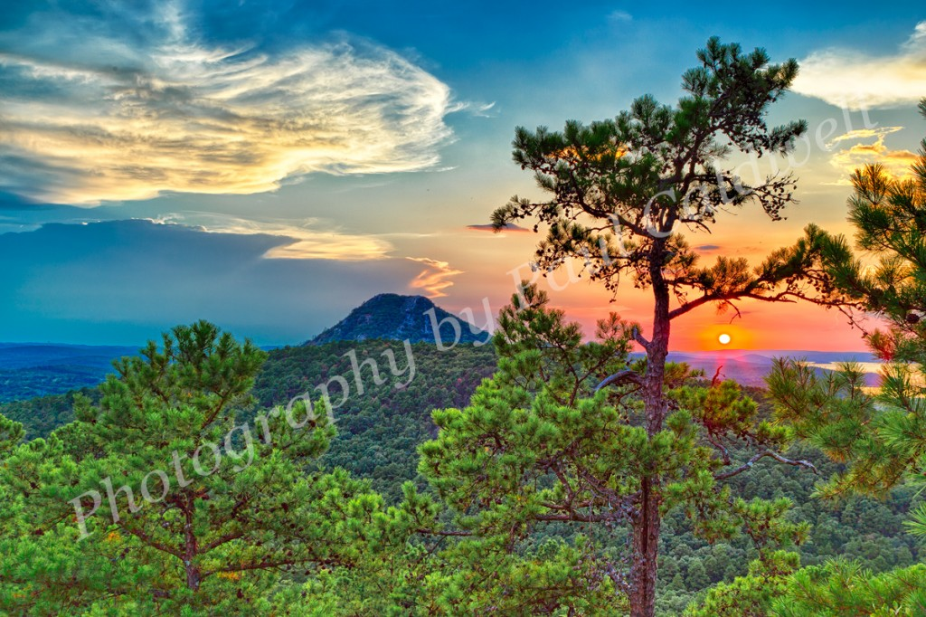 Summertime sunset over Pinnacle Mountain